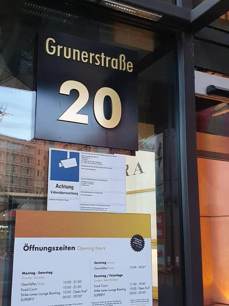 Profilfoto von PicturePeople Fotostudio Berlin-Alexa-Alexanderplatz